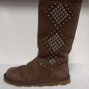UGG studded/brown suede side zipper boots